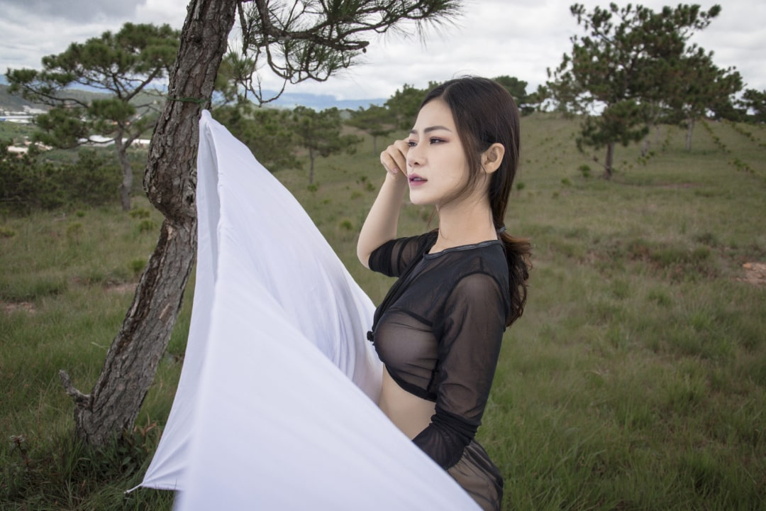 Linny Nguyễn Nude official